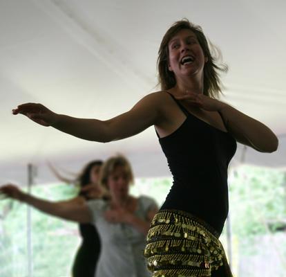 Nesma tijdens een buikdansworkshop